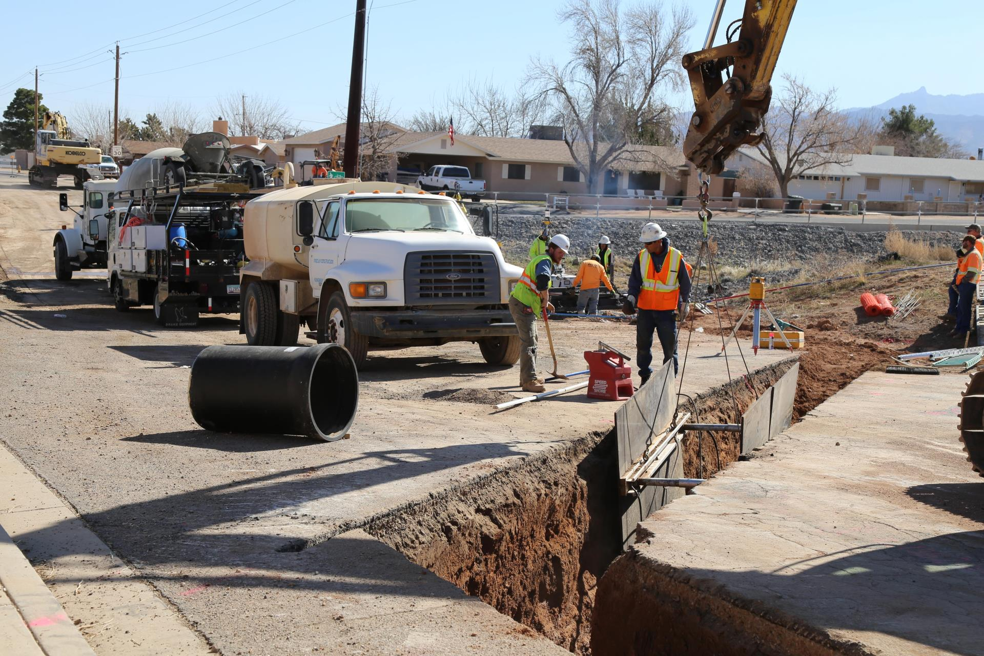 Kino Avenue Waterline Project Continues, Lane Closures Extended